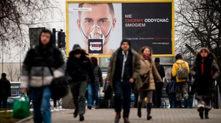 Źródło zdjęcia: https://smogathon.com/pl/krakowski-alarm-smogowy/